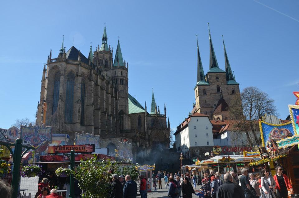 Unter den Erfurt Sehenswürdigkeiten ist das Ensemble aus Dom und Severikirche für mich das absolute Highlight.