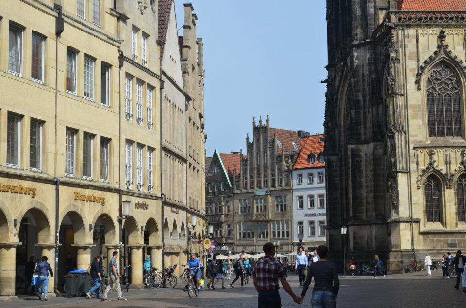 Im Zentrum eines Münster Sehenswürdigkeiten Rundgangs steht der Prinzipalmarkt.