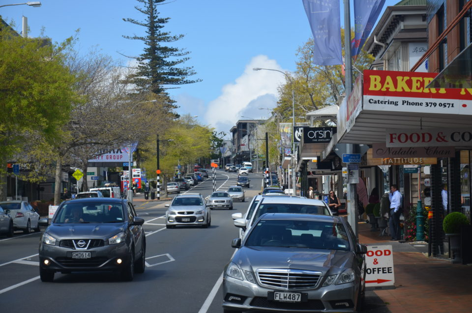 Zu den Auckland Insider Tipps zählt die belebte Parnell Road.