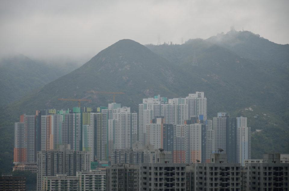 Hongkong Hotel welche Gegend? Die Stadt bietet sowohl riesige Apartmentkomplexe als auch kleinere Unterkünfte auf dem Land.