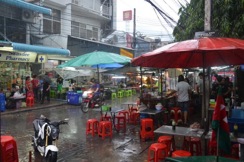 In meinen Bangkok Reisetipps möchte ich dir auch nicht verschweigen, dass es in der Stadt mächtig regnen kann.