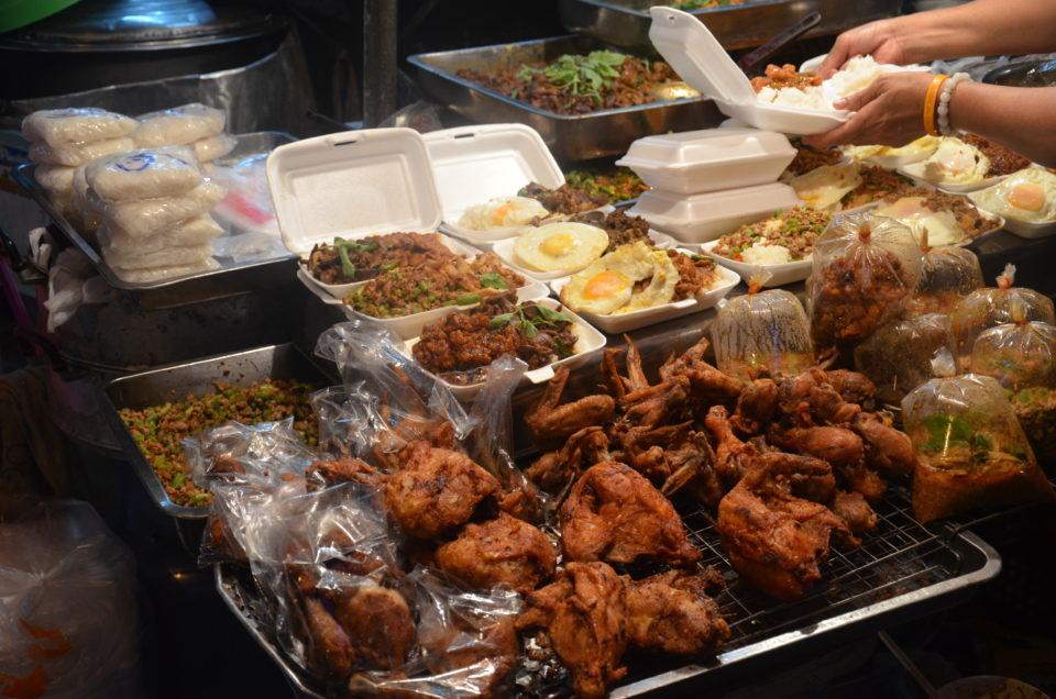Bangkok Reisetipps wären unvollständig ohne Hinweise zu den Hotspots für Streetfood.