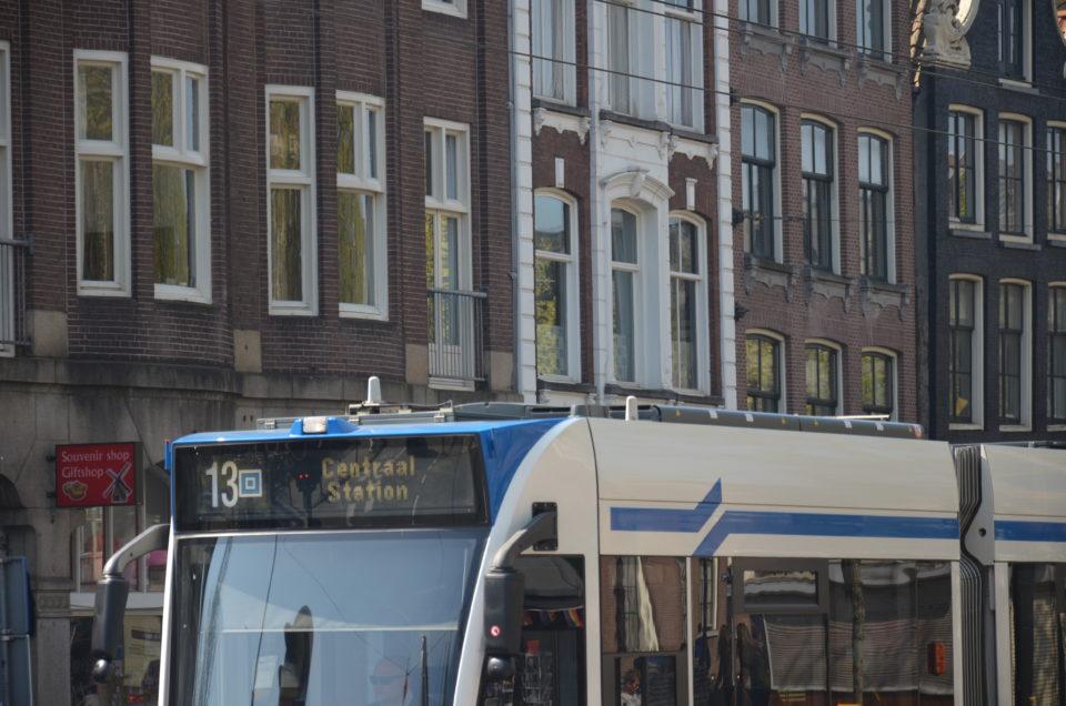 Amsterdam Reisetipps: Zum P+R in Amsterdam ist es verpflichtend, den Nahverkehr für die Fahrt ins Zentrum und zurück zu nutzen.
