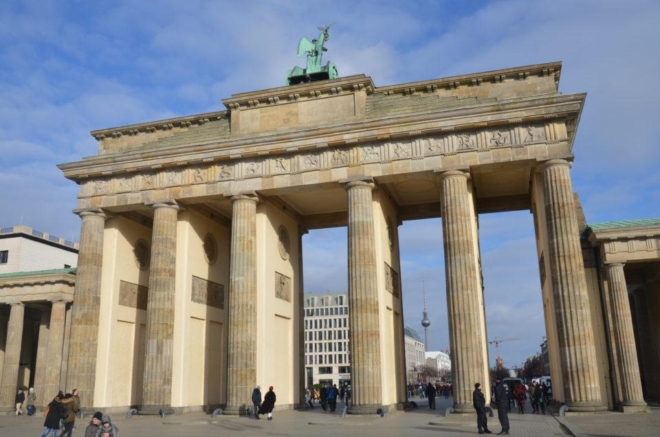 Berlin Hoteltipps wären unvollständig ohne Hinweise zu Unterkünften in Mitte rund ums Brandenburger Tor.