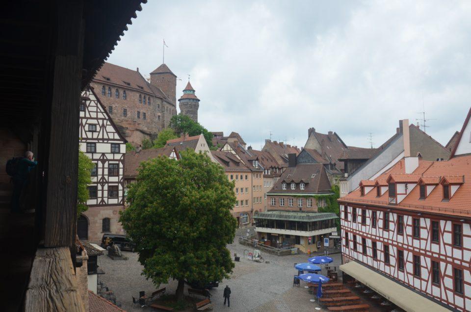 Zu den Nürnberg Geheimtipps gehört auch die Aussicht von der Galerie am Bürgermeistergarten.