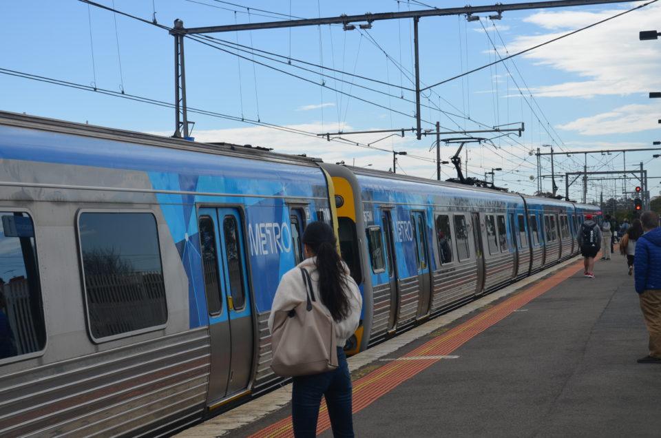 Die Stationen der Australien Route für die Ostküste kannst du teilweise auch per Zug erreichen.