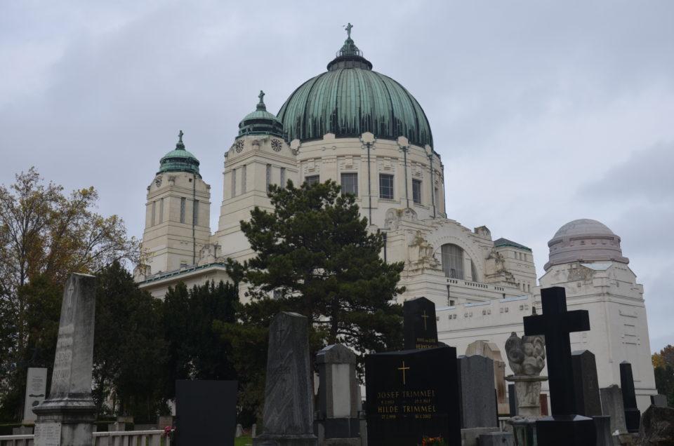 Zu den Wien Sehenswürdigkeiten auf dem Zentralfriedhof muss die Friedhofskirche gezählt werden.