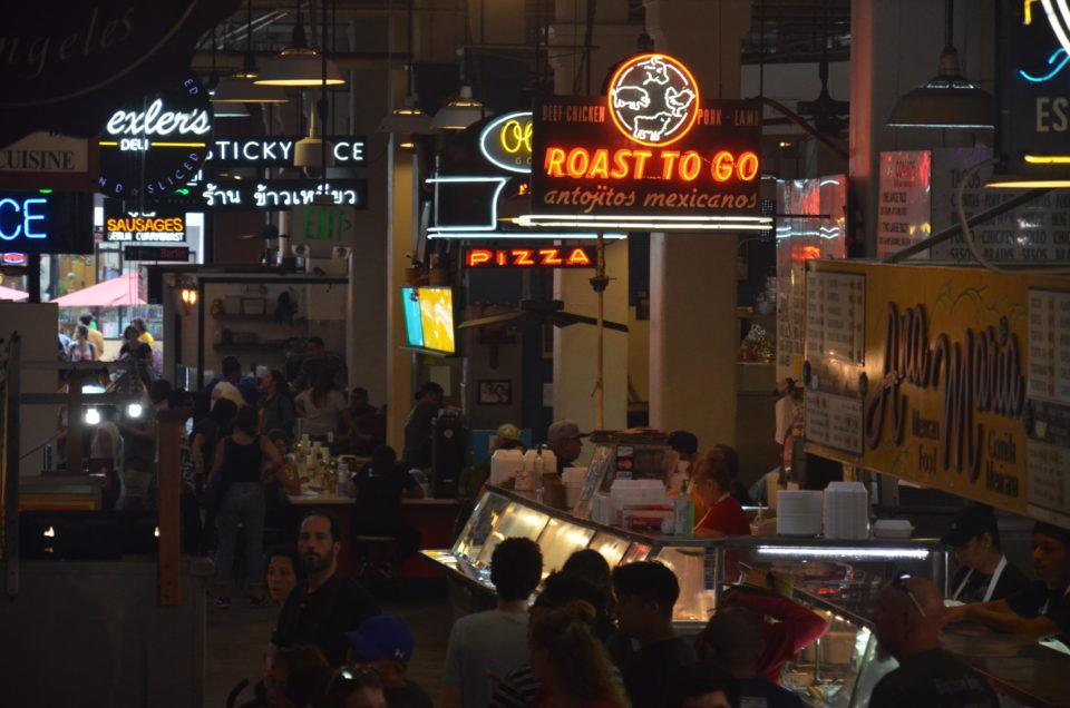 Zu den Los Angeles Hotel Tipps gehört auch die Info, dass sich in Downtown der Grand Central Market zum Essengehen anbietet.