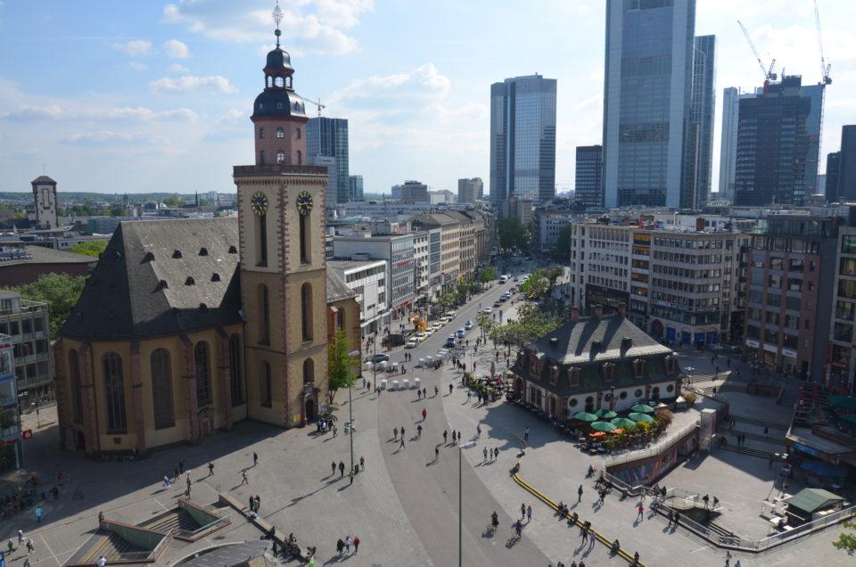 Im Frankfurt Sehenswürdigkeiten Rundgang zählt die Hauptwache zu den wichtigsten Stationen.