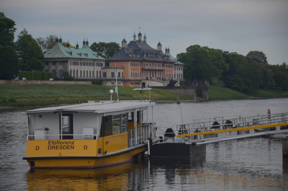 Zu den schönsten Dresden Unternehmungen zählen Bootsfahrten auf der Elbe.