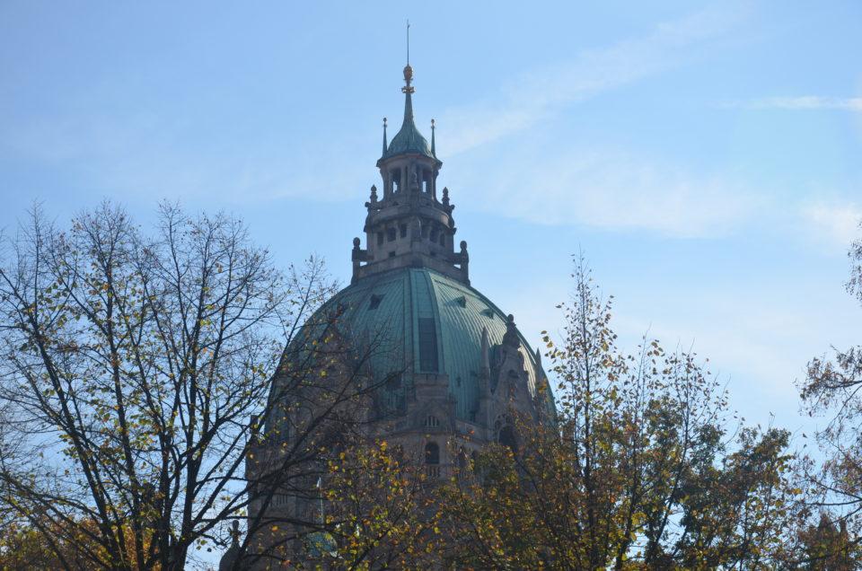 Meine Hannover Reisetipps beinhalten eine Auflistung der wichtigsten Attraktionen, zu denen auch das Neue Rathaus zählt.