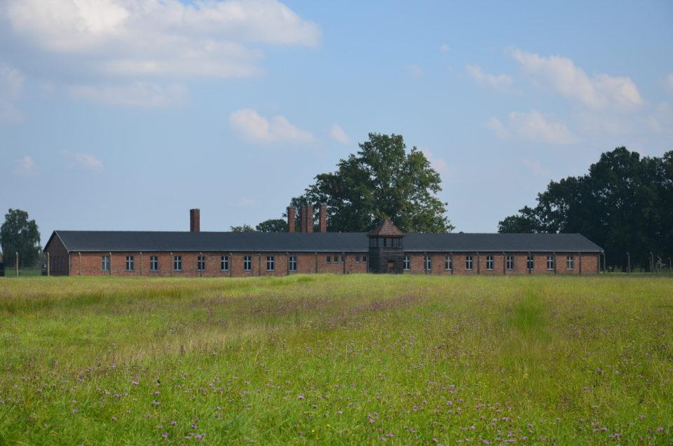 Eine wichtige Station beim Besuchen von KZ Auschwitz II ist die sogenannte Sauna.