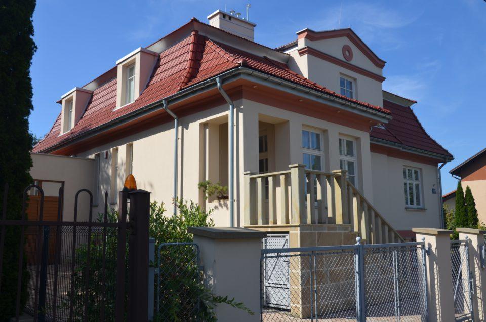 Zu Krakau Geheimtipps gehört die ehemalige Villa von Amon Göth an der Heltmana 22.